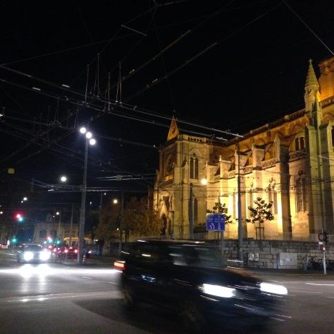 Le basilic de Notre Dame par nuit.