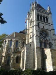 Le Basilic de Notre Dame près de gare Cornavin par jour.