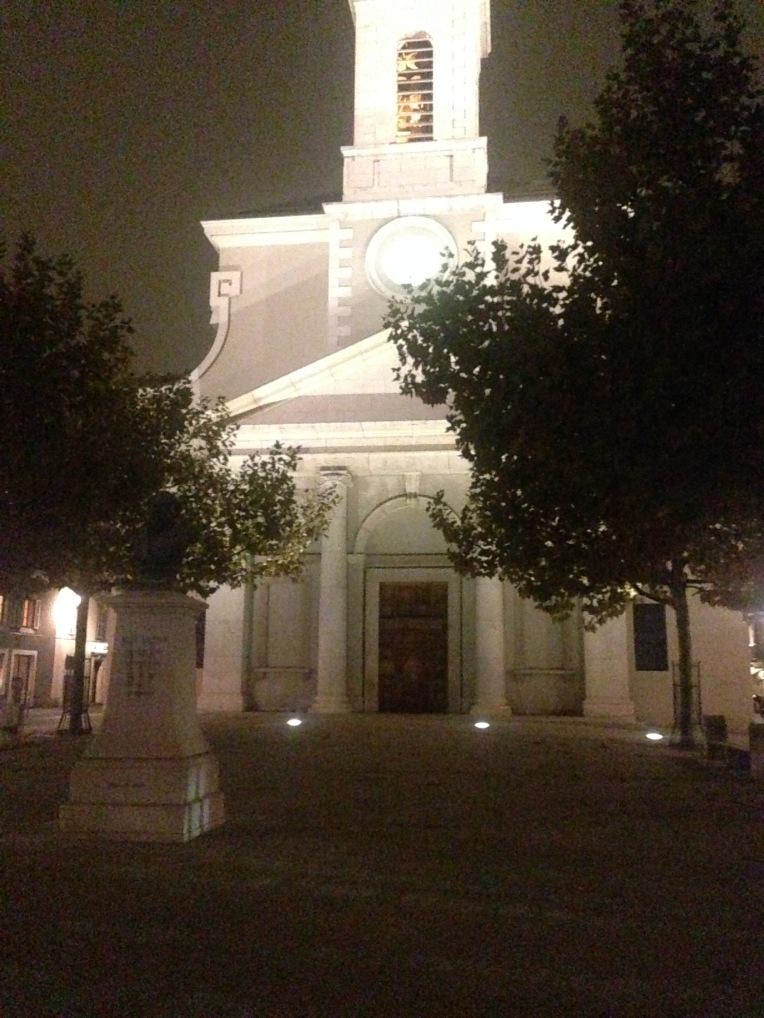 Eglise Saint Croix, Carouge le soir.