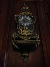 An old, pretty clock. I do like taking pictures of old, pretty clocks.